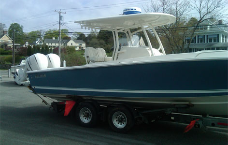 Kennebunkport Yacht Sales Offers new boats as well as a variety of pre-owned boats.